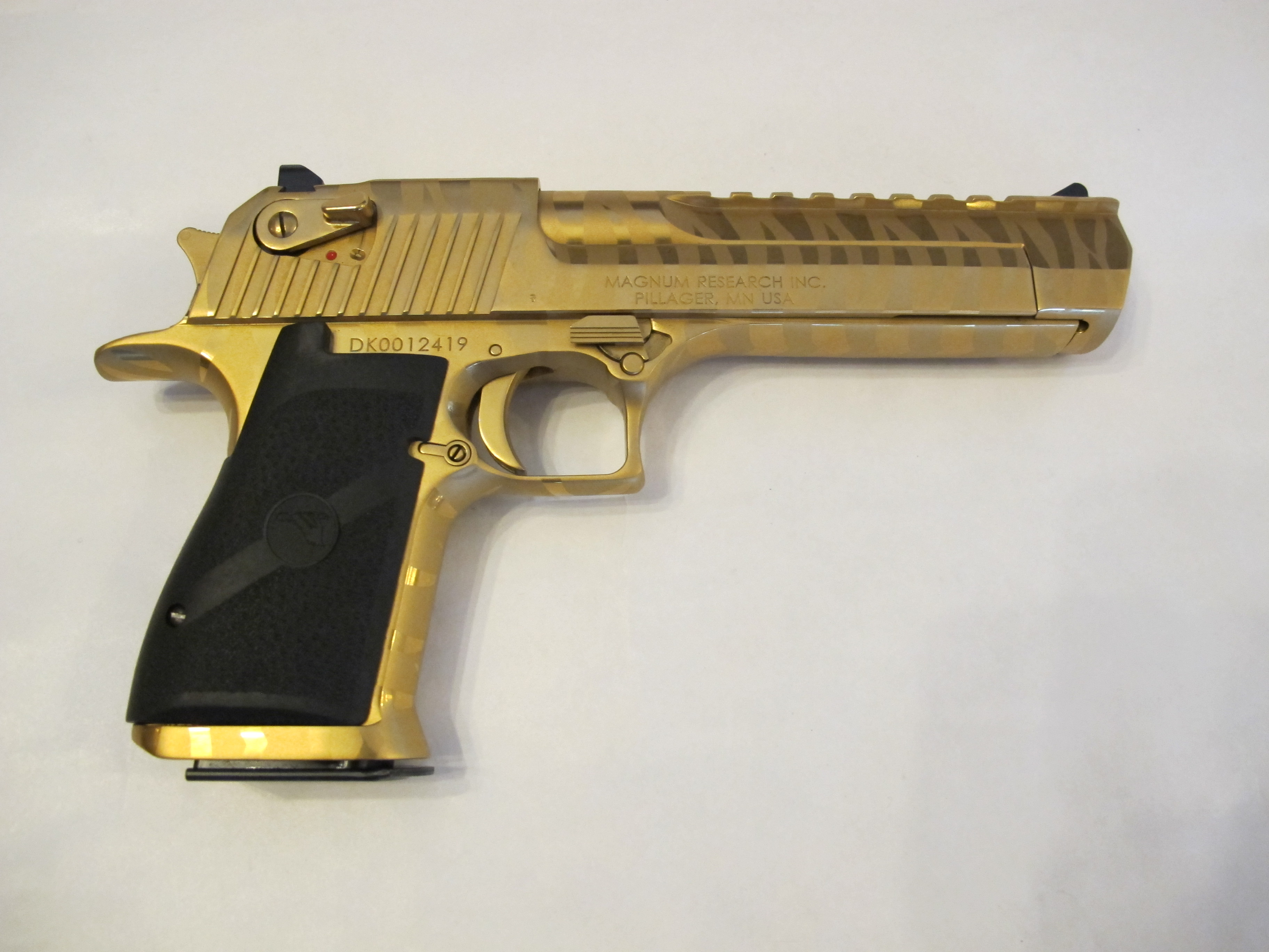 DESERT EAGLE Titanium Gold Tiger Stripes 50 AE